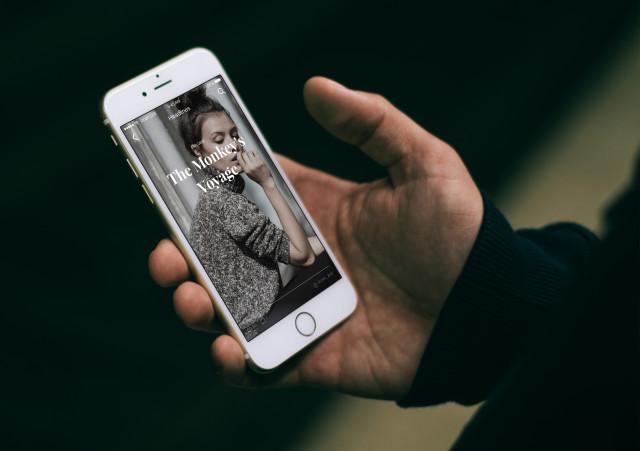 Urban iPhone 6s mockup Example of Usage